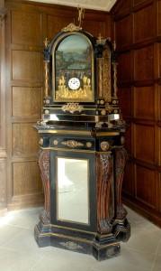 Pyke pedestal organ clock